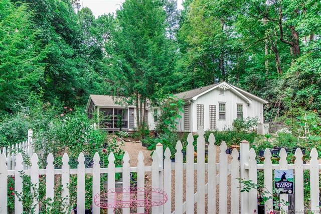3500 Laurel Park Highway, Hendersonville, NC 28739 (#3425139) :: RE/MAX Four Seasons Realty