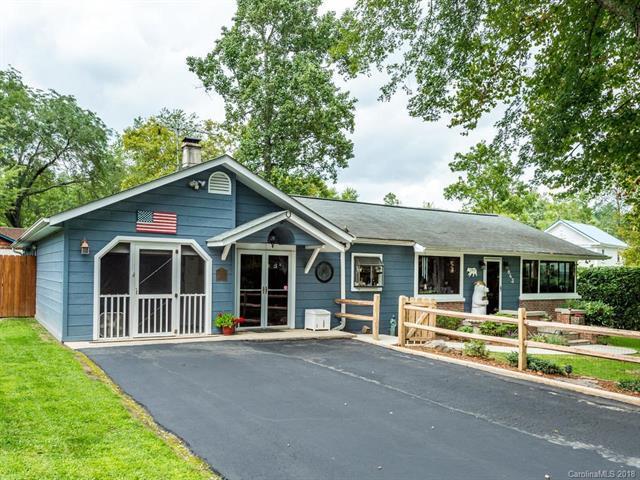 843 Dale Street, Hendersonville, NC 28739 (#3425227) :: RE/MAX Four Seasons Realty
