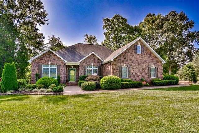 166 Cedar Lake Drive, Statesville, NC 28625 (#3425382) :: RE/MAX Four Seasons Realty