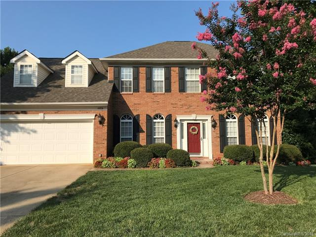 6816 Sweetfield Drive, Huntersville, NC 28078 (#3425484) :: Team Lodestone at Keller Williams SouthPark