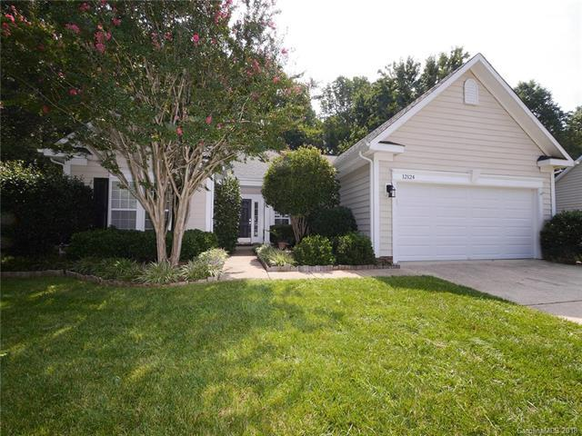 12124 Robins Nest Lane, Charlotte, NC 28269 (#3425560) :: Besecker Homes Team