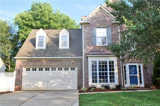 15816 Gathering Oaks Drive, Huntersville, NC 28078 (#3425613) :: MartinGroup Properties