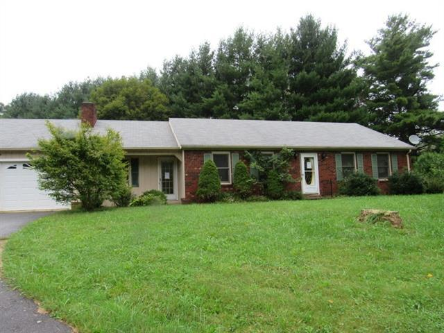 1062 W Buffalo Road, West Jefferson, NC 28694 (#3426214) :: The Andy Bovender Team