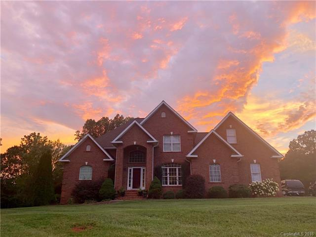 192 Carters Farm Drive #26, Statesville, NC 28625 (#3426269) :: Charlotte Home Experts
