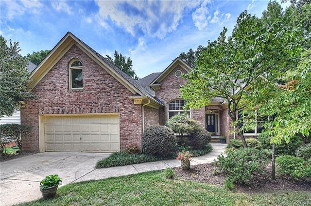 5117 Foxbriar Trail, Charlotte, NC 28269 (#3426272) :: Phoenix Realty of the Carolinas, LLC