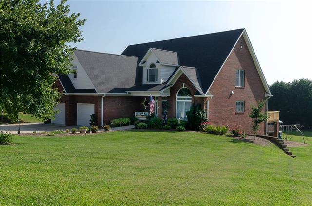 2632 Nicklaus Court NE, Conover, NC 28613 (#3426388) :: MartinGroup Properties