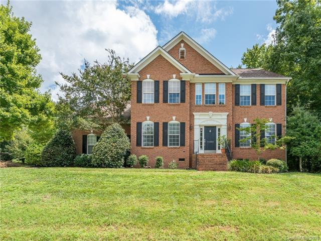 11226 Mountain Pine Drive, Charlotte, NC 28214 (#3427494) :: Odell Realty
