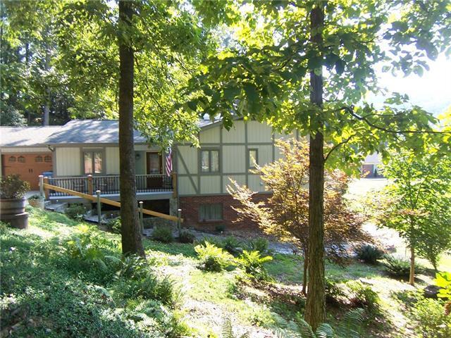 3021 Cedar Crest Drive, Lenoir, NC 28645 (#3427526) :: Rowena Patton's All-Star Powerhouse