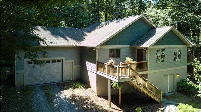 290 Sams Trail, Waynesville, NC 28786 (#3428332) :: Puffer Properties