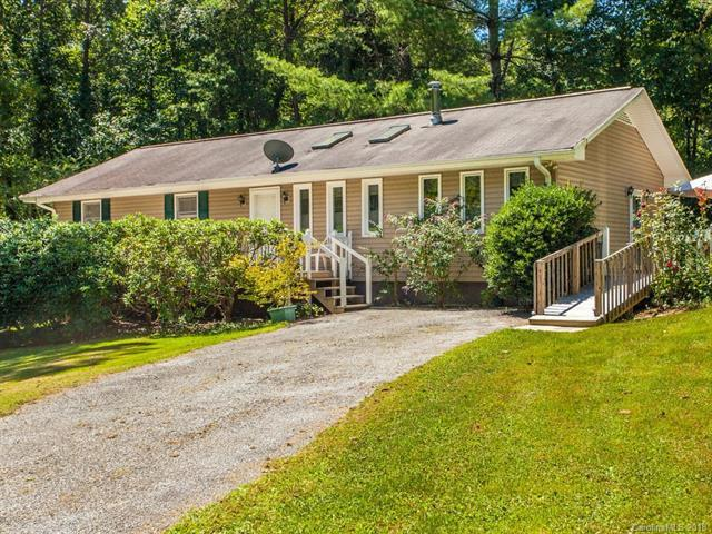 150 Chickadee Trail, Hendersonville, NC 28792 (#3428901) :: Exit Mountain Realty
