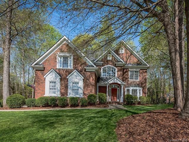 3301 Fawn Hill Road, Matthews, NC 28105 (#3428909) :: The Andy Bovender Team