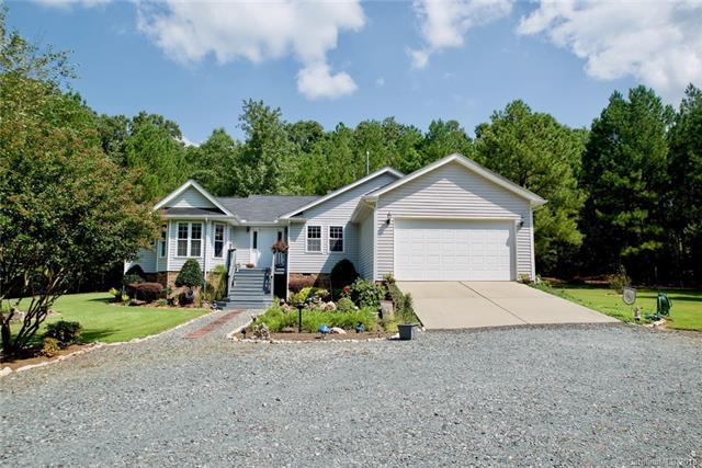 6819 Shaw Avenue, Waxhaw, NC 28173 (#3428926) :: Exit Mountain Realty