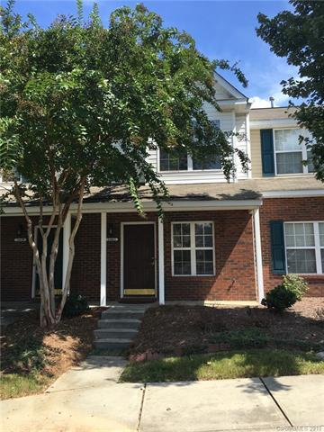 16863 Greenlawn Hills Court, Charlotte, NC 28213 (#3429188) :: Scarlett Real Estate