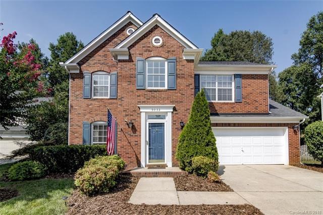 9032 Pickering Grove Lane, Charlotte, NC 28216 (#3429283) :: Charlotte Home Experts