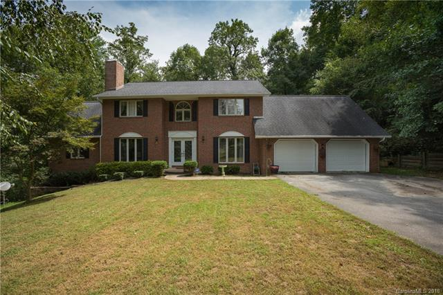 489 Heather Marie Drive, Hendersonville, NC 28792 (#3429671) :: Puffer Properties