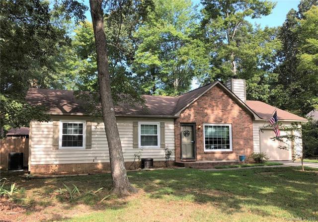 6207 Mapleleaf Drive, Indian Trail, NC 28079 (#3430601) :: Charlotte Home Experts