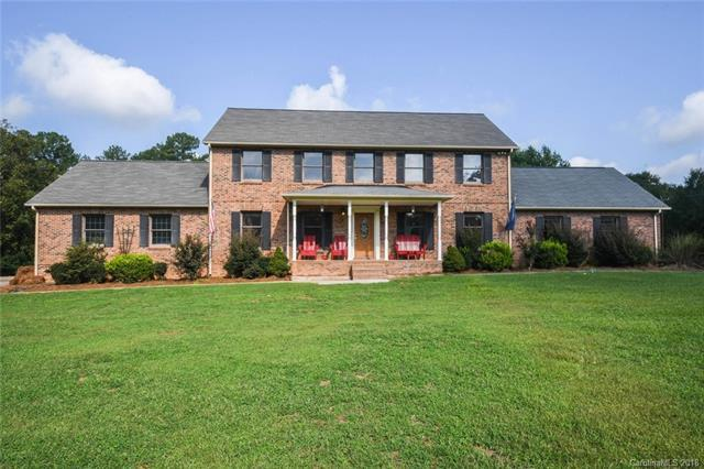 1813 Shady Pine Circle, Fort Mill, SC 29715 (#3430922) :: Exit Mountain Realty