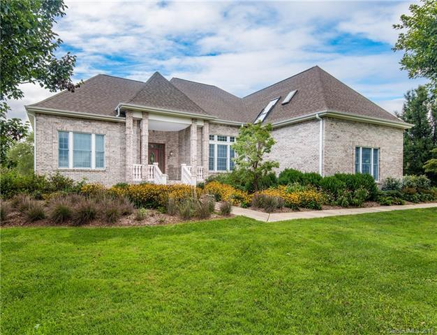 140 Benton Farms Lane, Horse Shoe, NC 28742 (#3431026) :: Team Southline