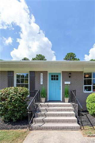 5517 Kerry Lane, Charlotte, NC 28215 (#3431265) :: Team Lodestone at Keller Williams SouthPark