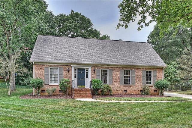 6116 Sharon Hills Road, Charlotte, NC 28210 (#3431350) :: Odell Realty