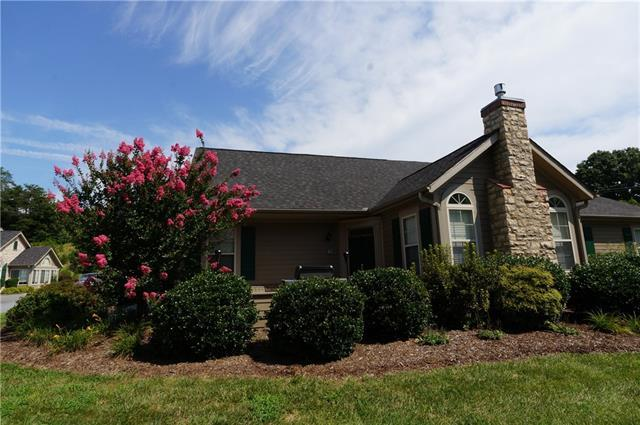 813 Wynnshire Drive, Hickory, NC 28601 (#3431449) :: LePage Johnson Realty Group, LLC