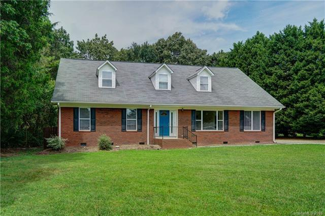 123 Pine Island Drive, Charlotte, NC 28214 (#3431463) :: Exit Mountain Realty