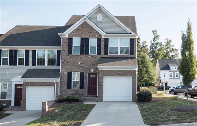 7219 Gallery Pointe Lane, Charlotte, NC 28269 (#3431684) :: The Andy Bovender Team