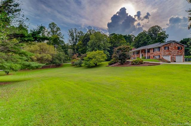 2 Panther Ridge Road #4, Hendersonville, NC 28792 (#3431920) :: Johnson Property Group - Keller Williams
