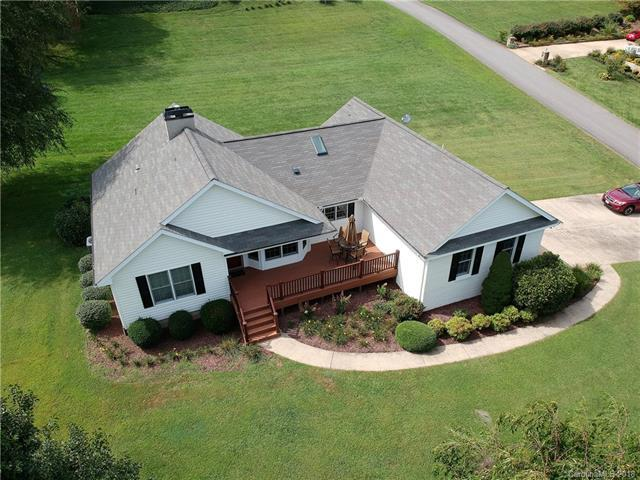 31 Deer Glade Lane, Waynesville, NC 28786 (#3432063) :: LePage Johnson Realty Group, LLC