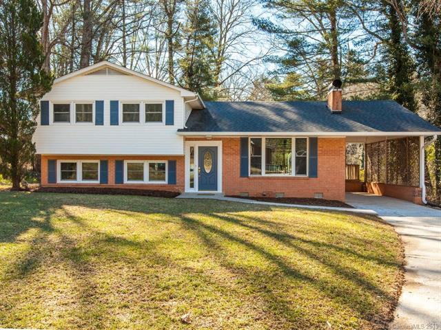 324 Kendale Court, East Flat Rock, NC 28726 (#3432443) :: Puffer Properties