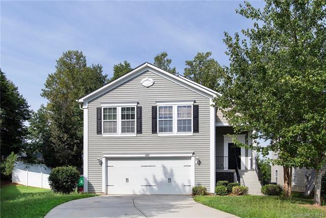 6035 Shortleaf Pine Court, Charlotte, NC 28215 (#3432598) :: Miller Realty Group