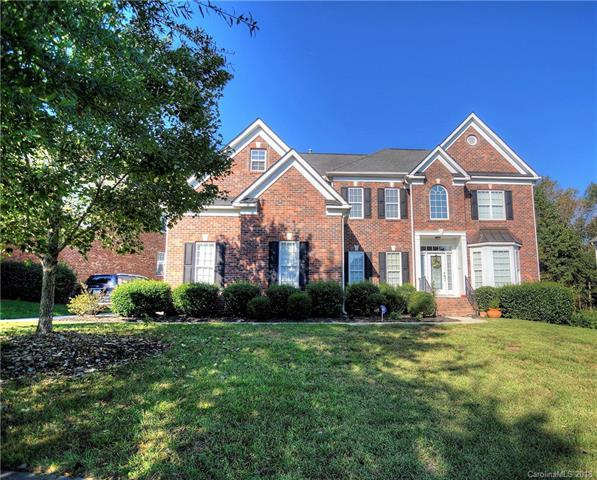 10414 Spring Tree Lane, Huntersville, NC 28078 (#3432751) :: Odell Realty