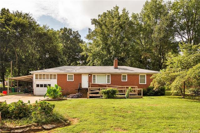 1151 Leigh Circle, Charlotte, NC 28216 (#3432855) :: Odell Realty