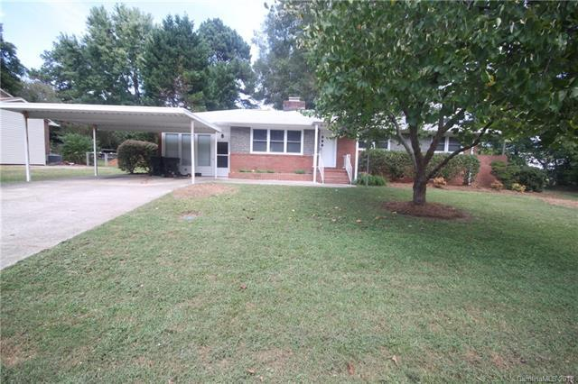 111 E Buckoak Street, Stanley, NC 28164 (#3433164) :: Cloninger Properties