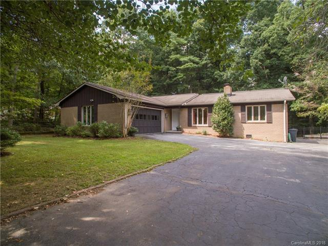214 Navaho Drive, Hendersonville, NC 28739 (#3433264) :: Stephen Cooley Real Estate Group