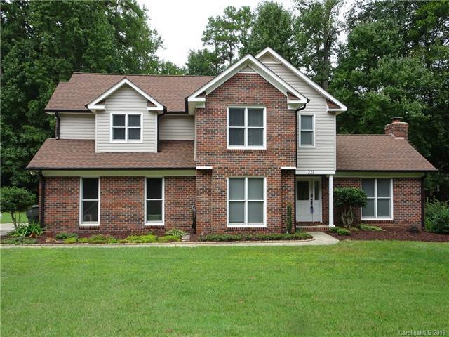 221 Charter Oak Court, Mooresville, NC 28115 (#3433392) :: Team Honeycutt