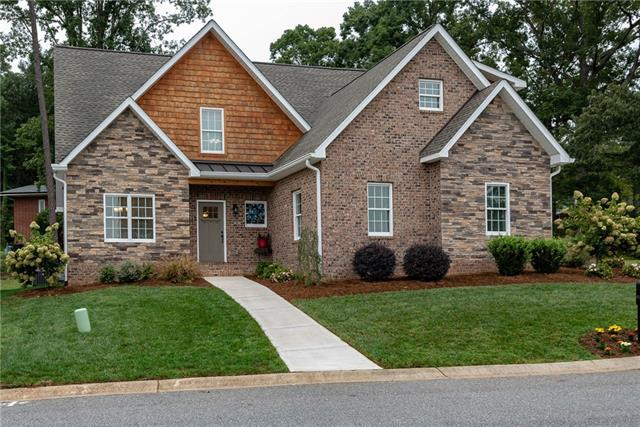 1279 10th Street Place NW, Hickory, NC 28601 (#3433480) :: LePage Johnson Realty Group, LLC