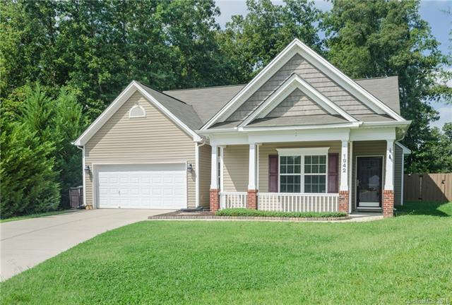 1942 Carpenter Cabin Drive, Charlotte, NC 28216 (#3433610) :: Cloninger Properties