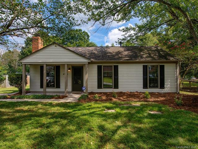 6720 Woodwedge Drive, Charlotte, NC 28227 (#3433822) :: Team Southline