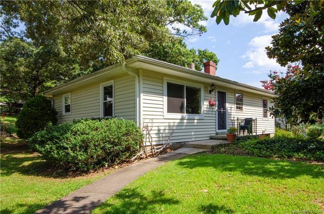 2 Pinewood Place, Asheville, NC 28806 (#3433956) :: Rinehart Realty