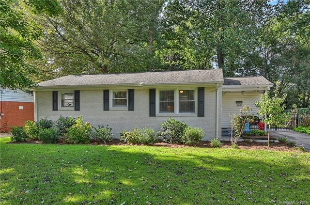 2610 Springway Drive, Charlotte, NC 28205 (#3434189) :: LePage Johnson Realty Group, LLC