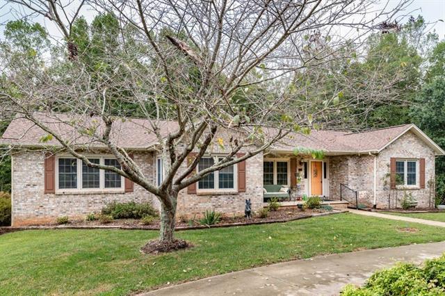 1358 Billings Drive, Hickory, NC 28602 (#3434288) :: LePage Johnson Realty Group, LLC
