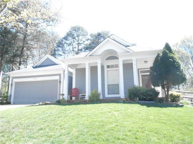 10220 Footsman Place, Cornelius, NC 28031 (#3434402) :: High Performance Real Estate Advisors