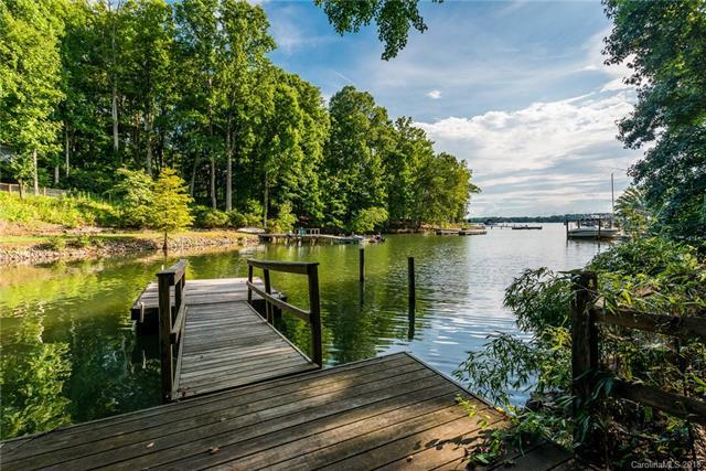 428 Lakeview Shores Loop, Mooresville, NC 28117 (#3434464) :: Cloninger Properties