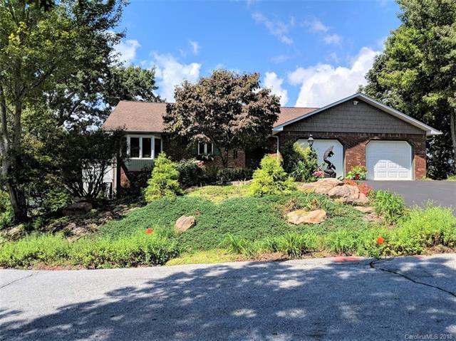 124 Eagle Rock Trail, Hendersonville, NC 28739 (#3434718) :: Robert Greene Real Estate, Inc.