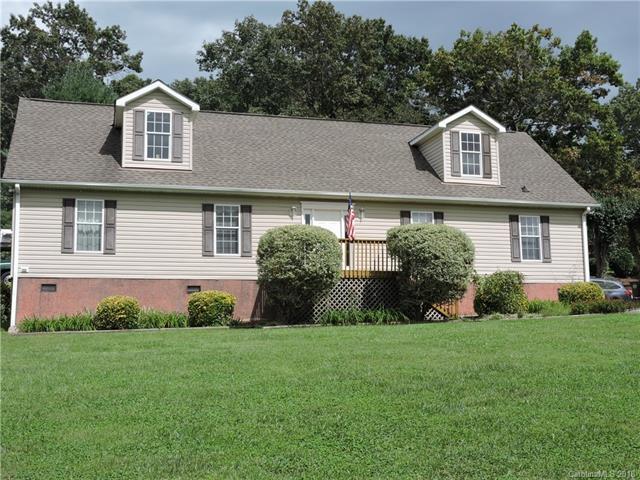 33 Rowe Court, Hendersonville, NC 28792 (#3434761) :: The Ann Rudd Group