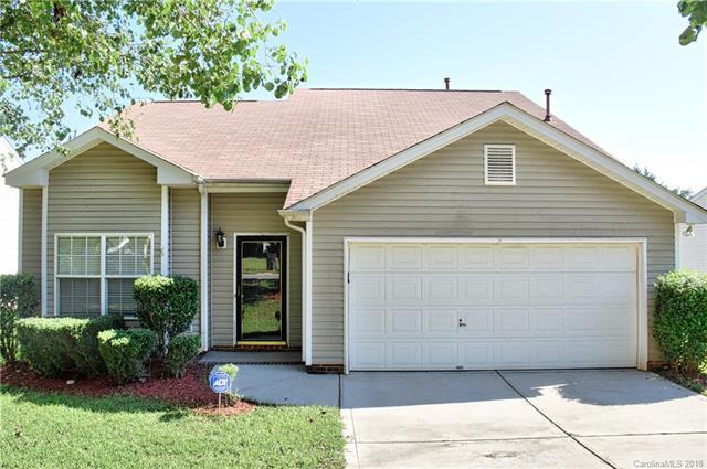 2215 Pleasant Dale Drive, Charlotte, NC 28214 (#3434766) :: Scarlett Real Estate
