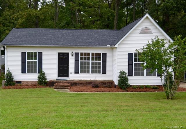 8712 Old Plank Road, Charlotte, NC 28216 (#3434781) :: Odell Realty