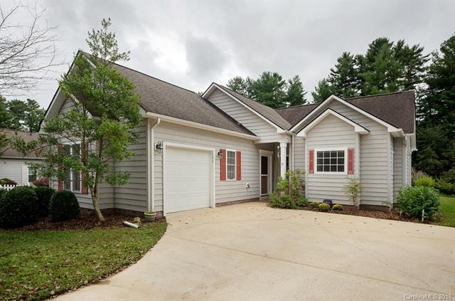 135 Cambridge Drive, Brevard, NC 28712 (#3434985) :: Rinehart Realty