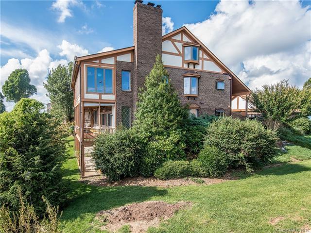 1403 Fleetwood Plaza, Laurel Park, NC 28739 (#3435047) :: Puffer Properties